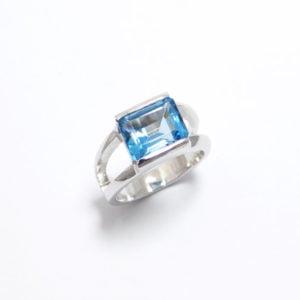 bague-argent-topaze-swiss-blue